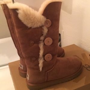 UGG w/Bailey Button Triplet Suede Boots